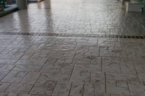 Lac pentru beton amprentat